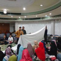Remaja Islam Sunda Kelapa Belajar Mengurus Jenazah